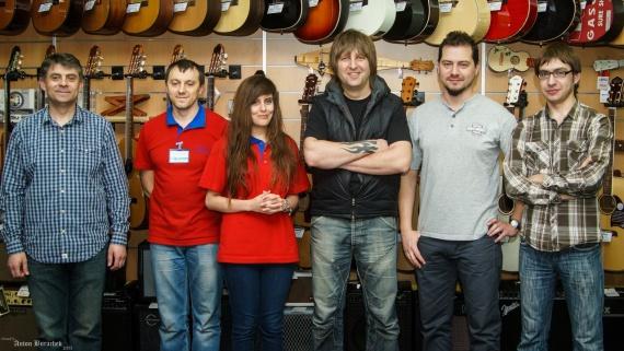 На фото (зліва-направо): Аркадій Ільніцький, Василь Яцько, Юліана Коуцун, Сергій Радзецький, Дмитро Радзецький